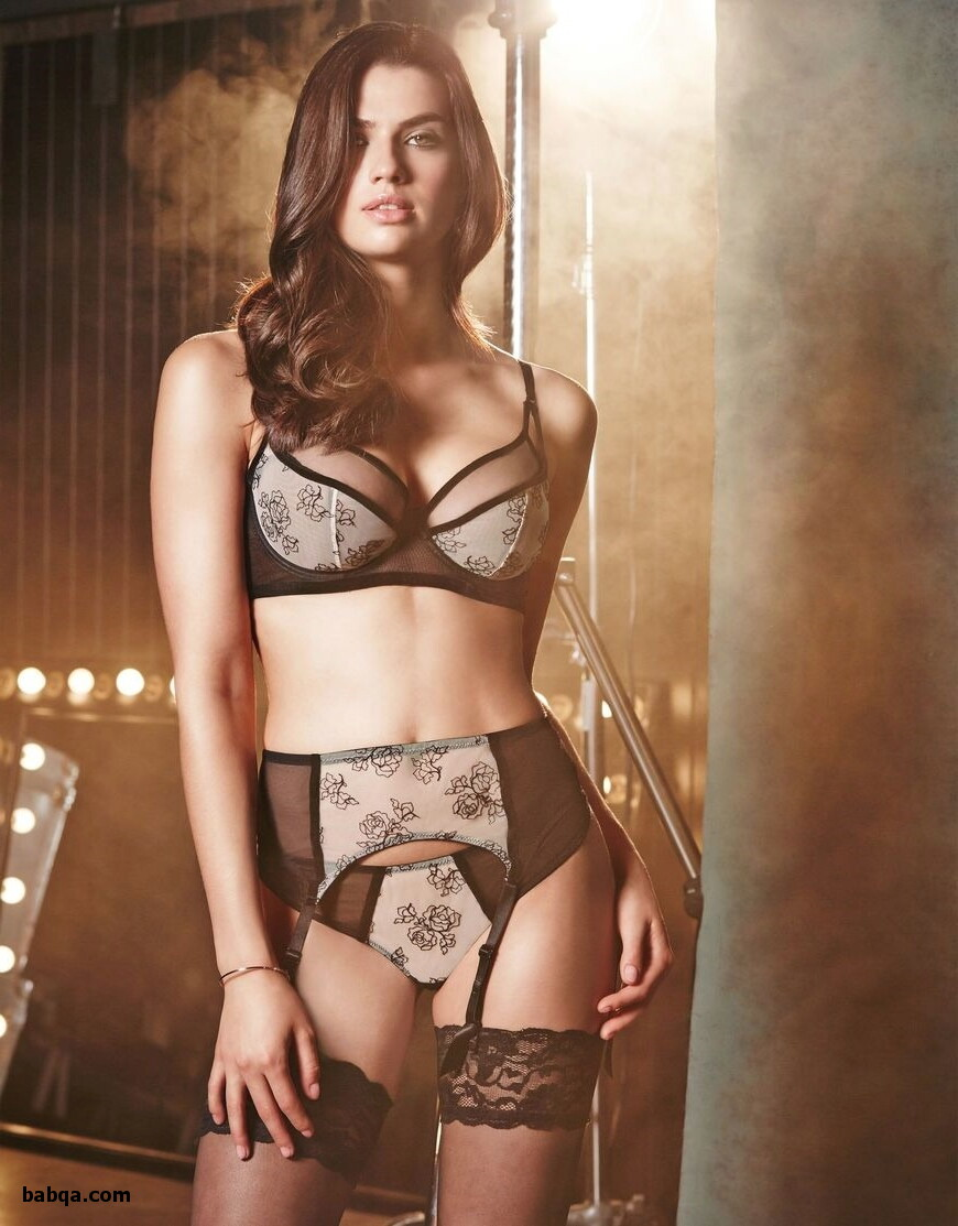 beautiful women in sexy lingerie and nylon stocking galleries