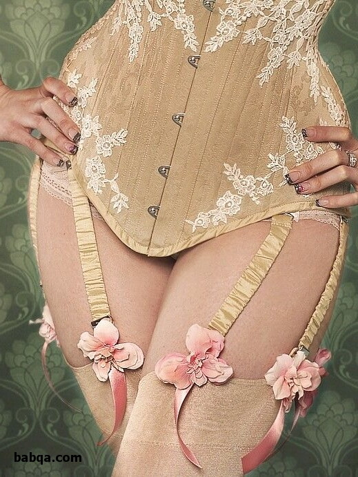 vintage lingerie ladies and stocking-tease.com