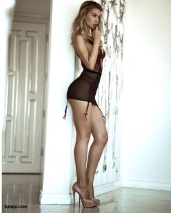 women who wear stockings and women in lingerie photos