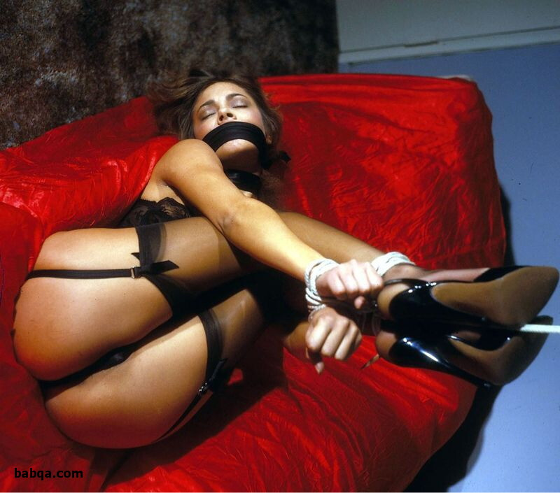 lingerie nude video and images of women in lingerie