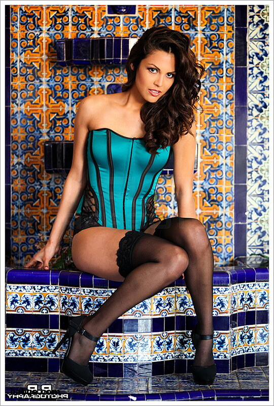 black thigh high stockings and milf in stockings pictures