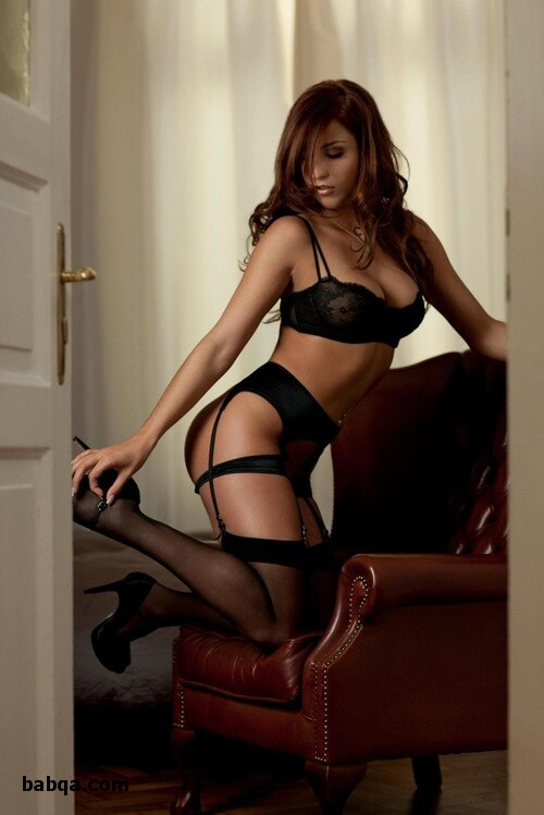 sexy girls in fishnet stockings and sexy naked girls in stockings
