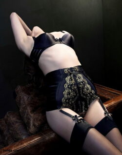 horny mature in stockings and real silk stockings