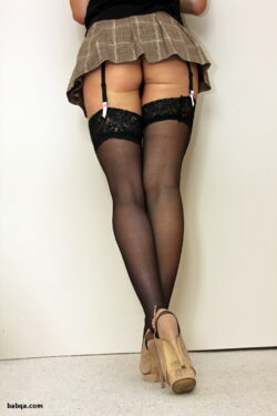 hot pink stockings and italian women in stockings