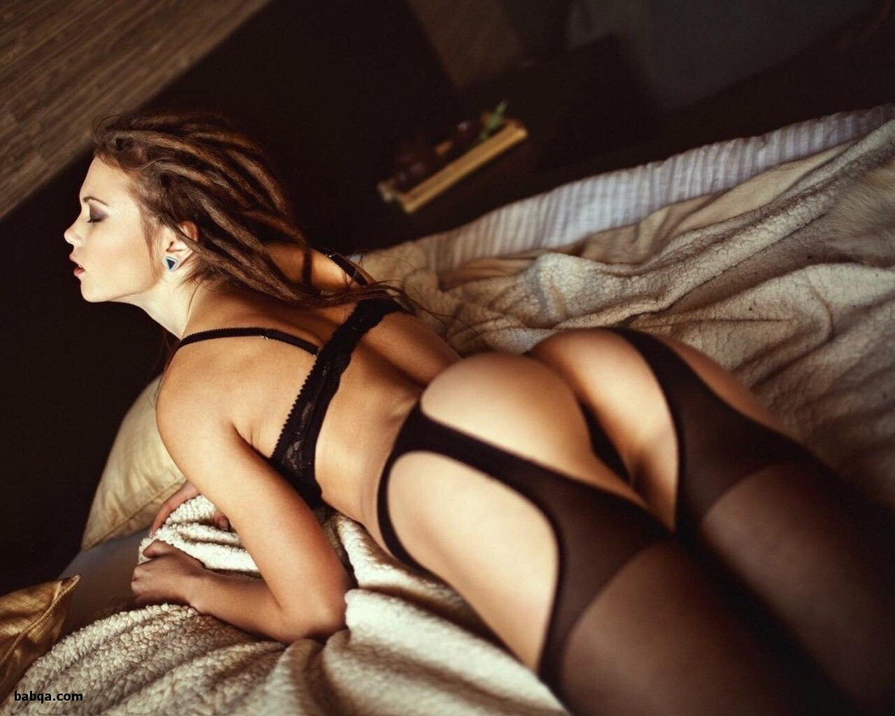 women in suspenders and stockings and spicy lingerie com